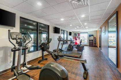 Exercise room   MainStay Suites Near Denver Downtown