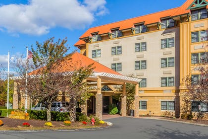 Hotel near popular attractions | Comfort Suites Near Casinos