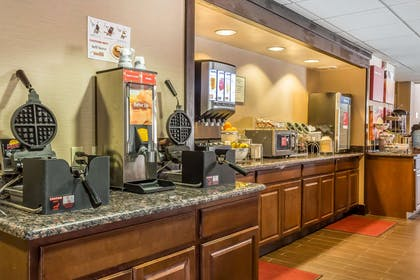 Free breakfast with waffles | Comfort Suites Near Casinos