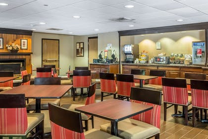 Enjoy breakfast in this seating area | Comfort Suites Near Casinos