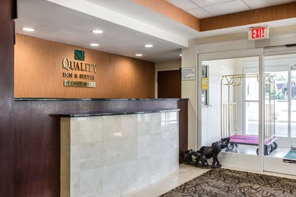 Front desk with friendly staff | Quality Inn and Suites Danbury