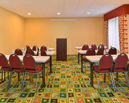 Meeting room | Quality Suites