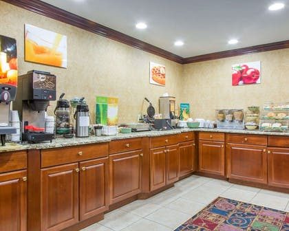Free deluxe continental breakfast | Quality Inn & Suites