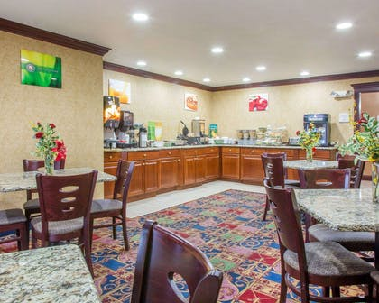 Breakfast room | Quality Inn & Suites