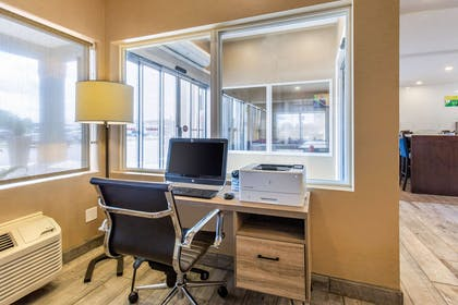 Computer in the lobby | Quality Inn & Suites