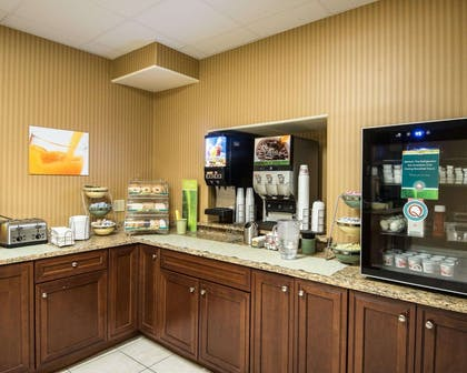 Free coffee | Quality Inn & Suites Rehoboth Beach - Dewey