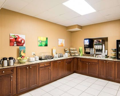 Free breakfast | Quality Inn & Suites Rehoboth Beach - Dewey