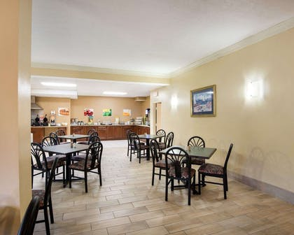 Spacious breakfast area | Quality Inn & Suites Rehoboth Beach - Dewey