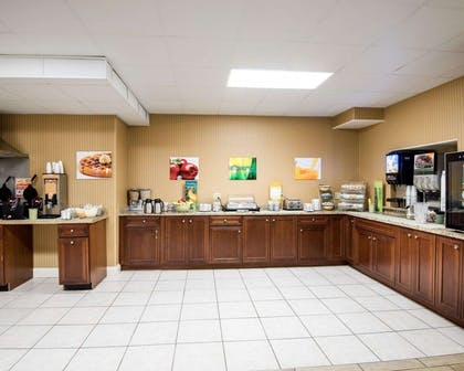 Breakfast counter | Quality Inn & Suites Rehoboth Beach - Dewey