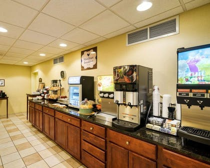 Breakfast counter | MainStay Suites Dover