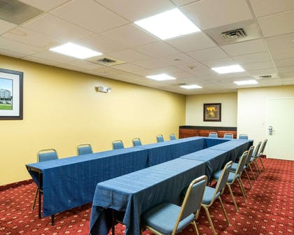 Meeting room | MainStay Suites Dover