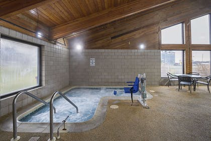 Indoor hot tub | Quality Inn and Suites
