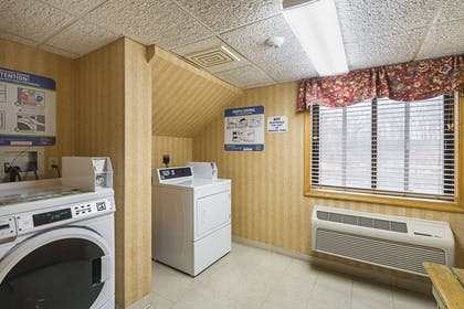 Guest laundry facilities | Quality Inn and Suites