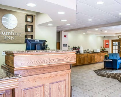 Spacious lobby with sitting area | Comfort Inn Fort Myers Northeast