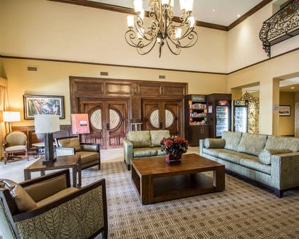 Hotel lobby | Comfort Suites Miami - Kendall