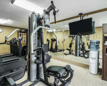 Exercise room with television | Comfort Inn Plant City - Lakeland