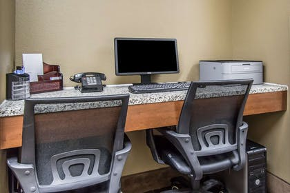 Business center | Comfort Inn & Suites DeLand - near University
