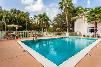 Outdoor pool | Mainstay Suites at PGA Village