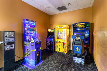 Game room | Quality Suites
