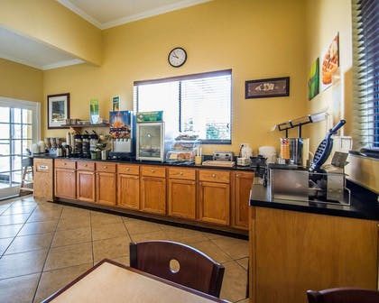 Breakfast counter | Quality Inn & Suites Mt Dora North