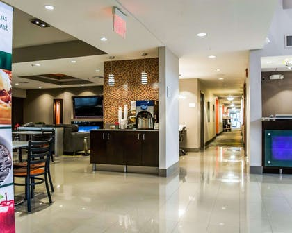 Lobby   Quality Suites Fort Myers - I-75