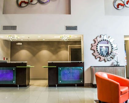 Front desk with friendly staff   Quality Suites Fort Myers - I-75