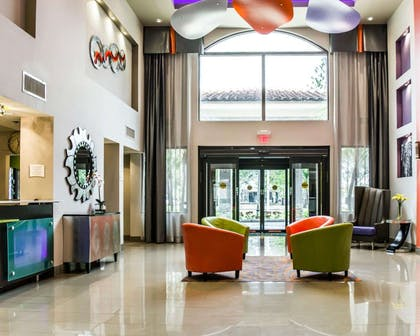 Spacious lobby   Quality Suites Fort Myers - I-75