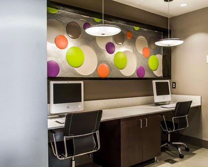 Business center with high-speed Internet access   Quality Suites Fort Myers - I-75