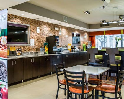 Breakfast counter   Quality Suites Fort Myers - I-75