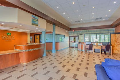 Hotel lobby | Quality Inn & Suites Port Canaveral Area