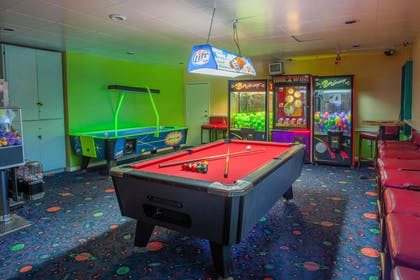Game room | Quality Inn & Suites Port Canaveral Area
