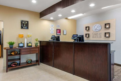 Front desk with friendly staff | Comfort Suites Near Universal Orlando Resort