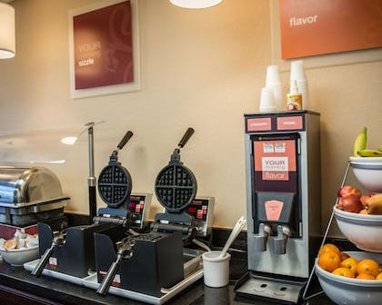 Free breakfast with waffles | Comfort Suites Clearwater - Dunedin