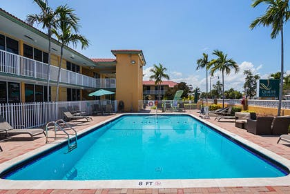 Outdoor pool | Quality Inn & Suites Hollywood Boulevard