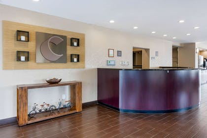 Front desk | Comfort Suites Fernandina Beach at Amelia Island
