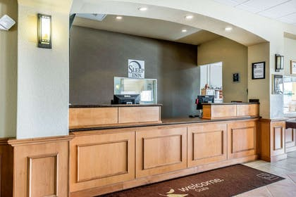 Front desk with friendly staff | Sleep Inn and Suites - Ocala / Belleview
