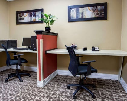 Business center with high-speed Internet access | Comfort Suites Ocala North