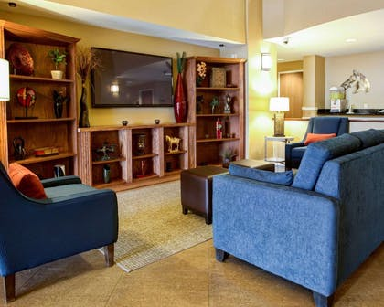 Hotel lobby | Comfort Suites Ocala North