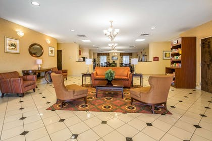 Lobby with sitting area | Comfort Suites West Jacksonville