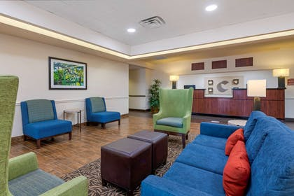 Lobby with sitting area | Comfort Inn & Suites Airport