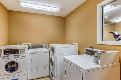 Guest laundry facilities   MainStay Suites