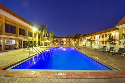 Outdoor pool | Quality Inn & Suites Conference Center