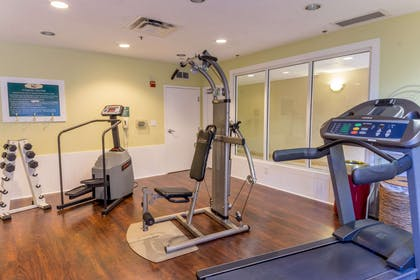 Exercise room | Quality Suites Lake Buena Vista