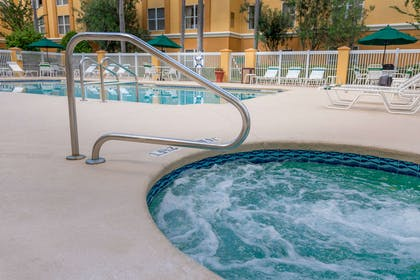 Outdoor hot tub | Quality Suites Lake Buena Vista