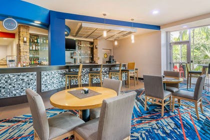 On-site restaurant | Cambria Hotel Ft Lauderdale, Airport South & Cruise Port