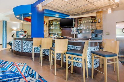 Hotel bar | Cambria Hotel Ft Lauderdale, Airport South & Cruise Port