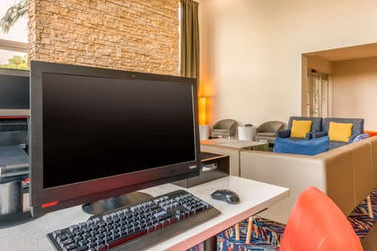 Business center | Cambria Hotel Ft Lauderdale, Airport South & Cruise Port