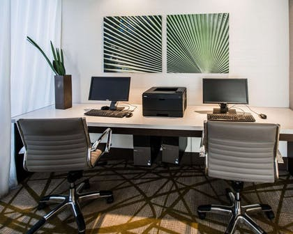 Business center | Comfort Suites Miami Airport North