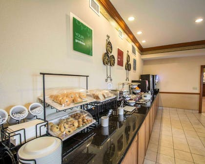 Breakfast counter   Comfort Inn & Suites I-95 - Outlet Mall