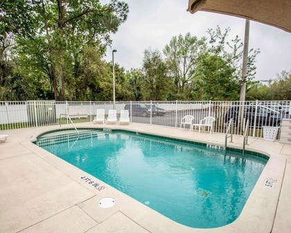 Outdoor pool   Comfort Inn & Suites I-95 - Outlet Mall